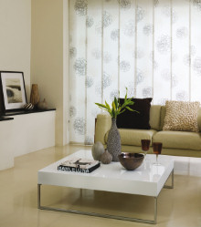 Bespoke Curtains, UPholstery, Soft Furnishings, Pelmets & Awnings from www.applewoodinteriors.com